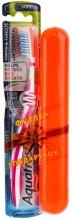 Духи, Парфюмерия, косметика Зубная щетка мягкой жесткости + футляр, розовая+оранжевый - Aquafresh Lizarb X-silky